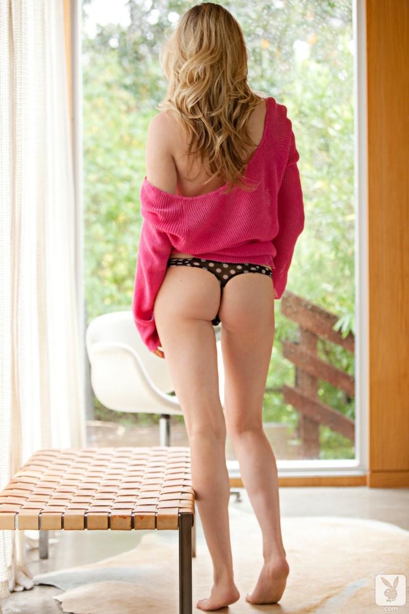 denise-king-pink-sweater-playboy-05