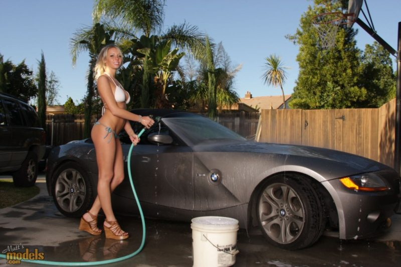 bailey-rose-carwash-bmw-z4-matts-models-01