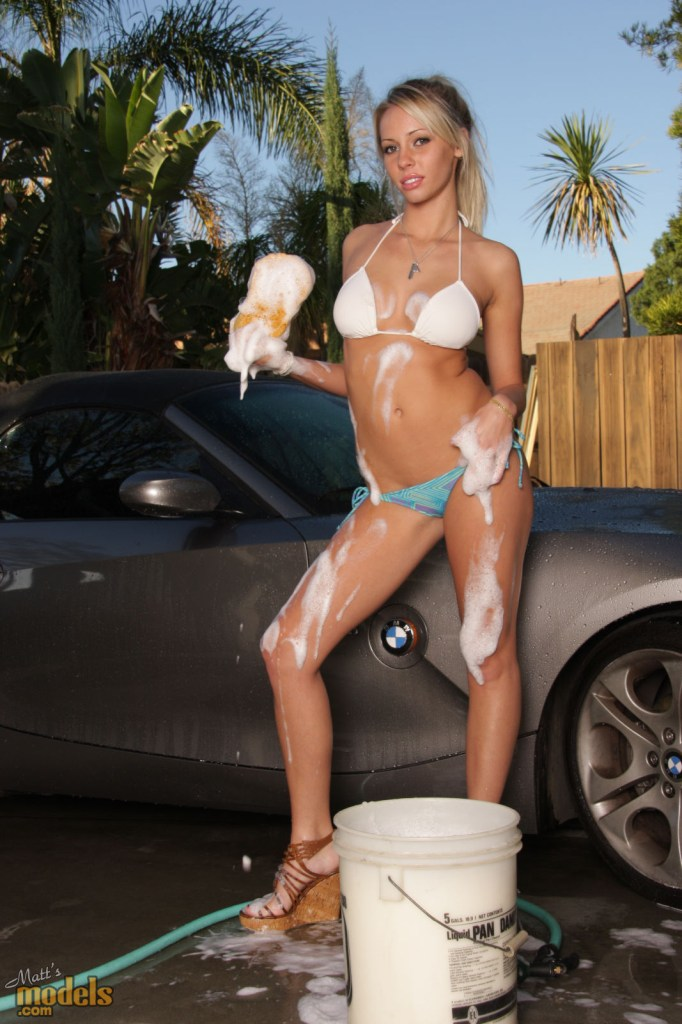 bailey-rose-carwash-bmw-z4-matts-models-04
