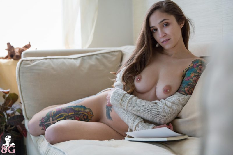 dimples in long sweater redbust