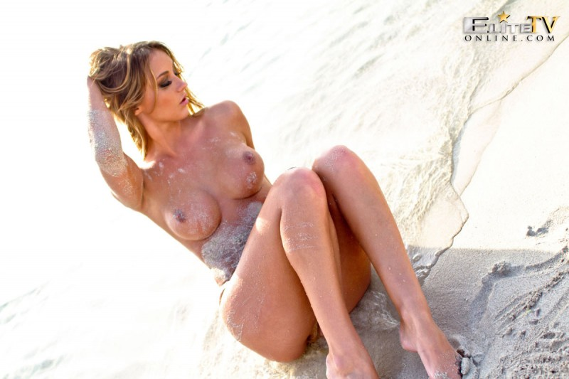 dionne-daniels-beach-nude-elitetvonline-18