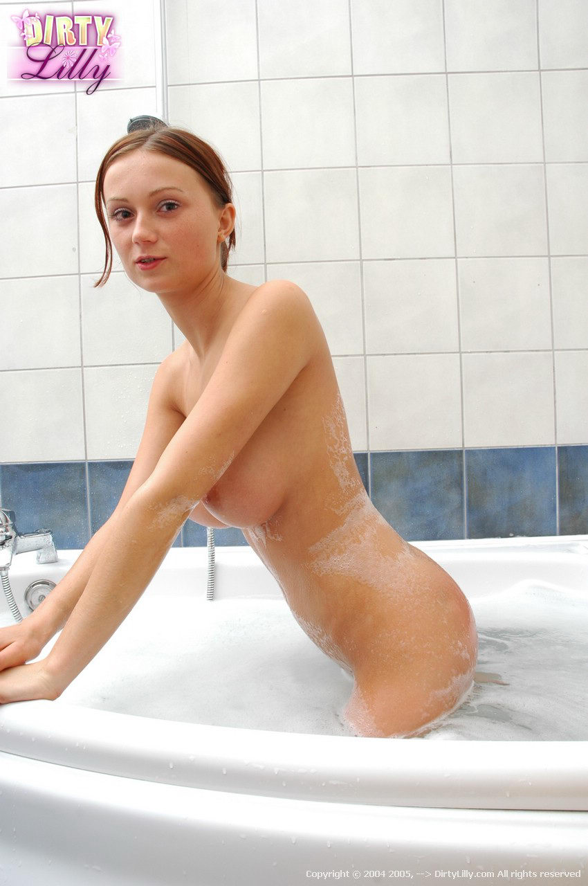 dirty-lilly-bath-26
