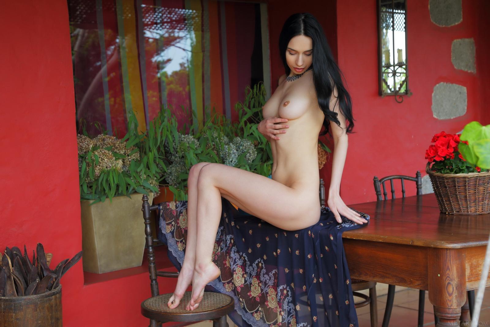 dita-v-peignoir-boobs-brunette-nude-metart-06