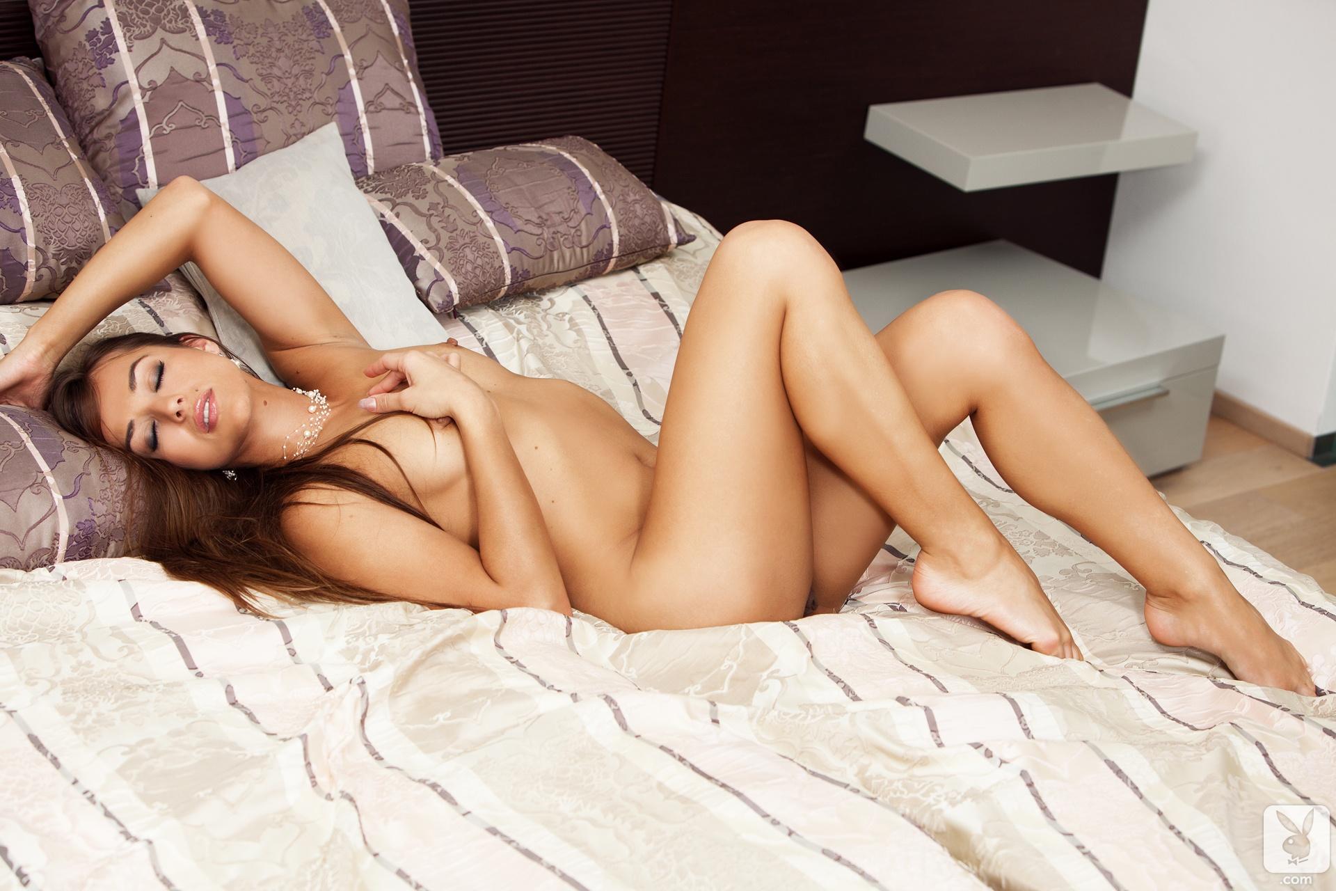 dominika nude