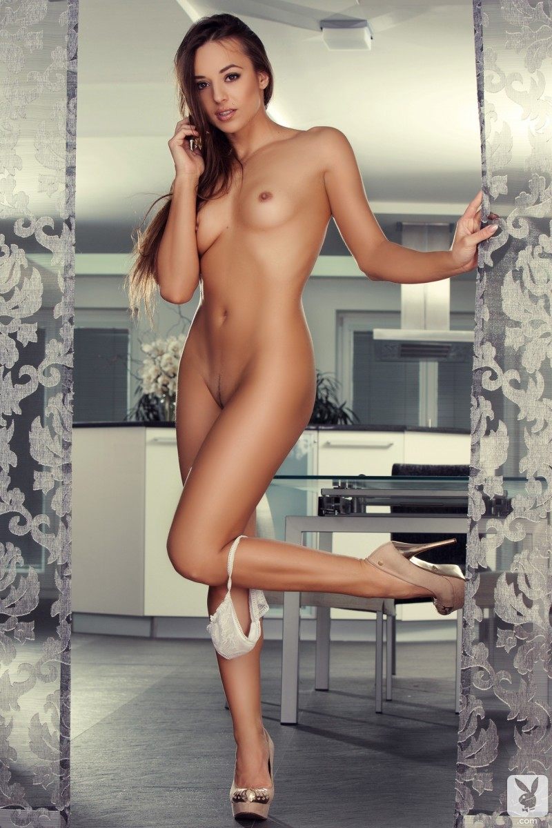 dominika-nude-high-heels-playboy-11