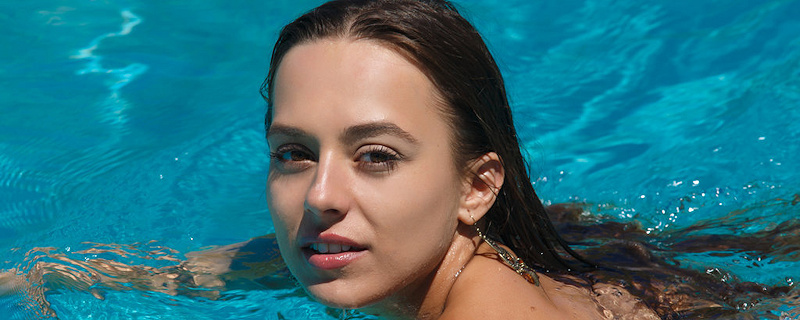 Dominika swimming in the pool