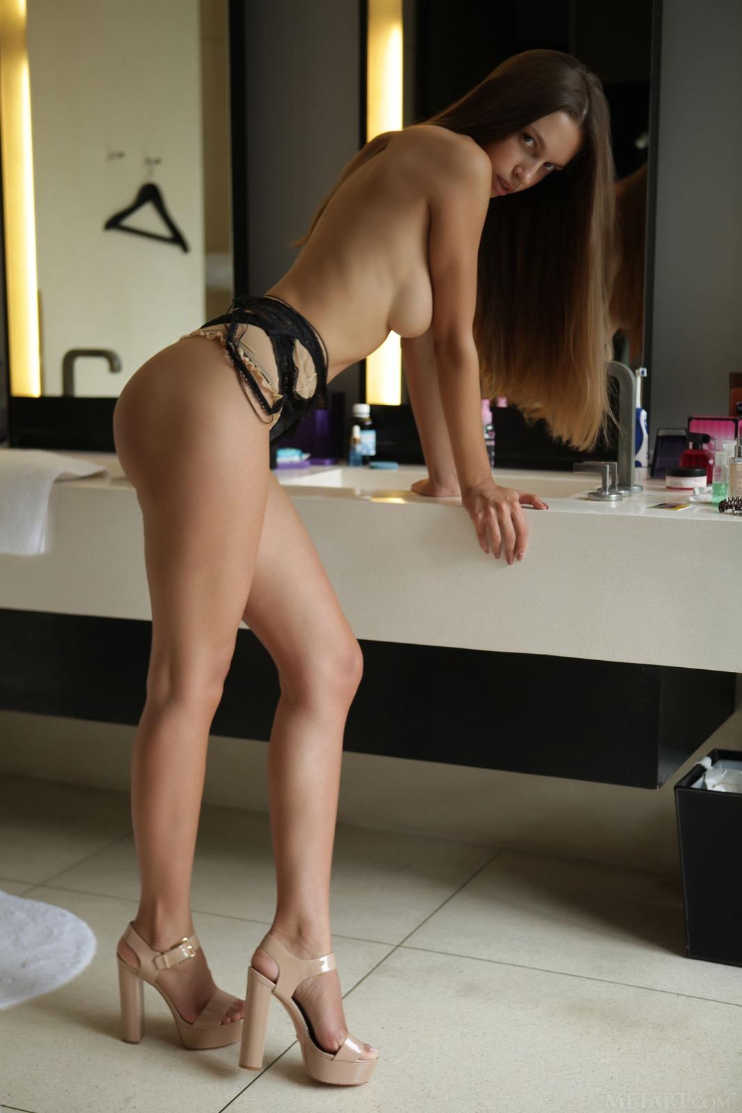 elin-long-hair-nude-bathroom-met-art-10