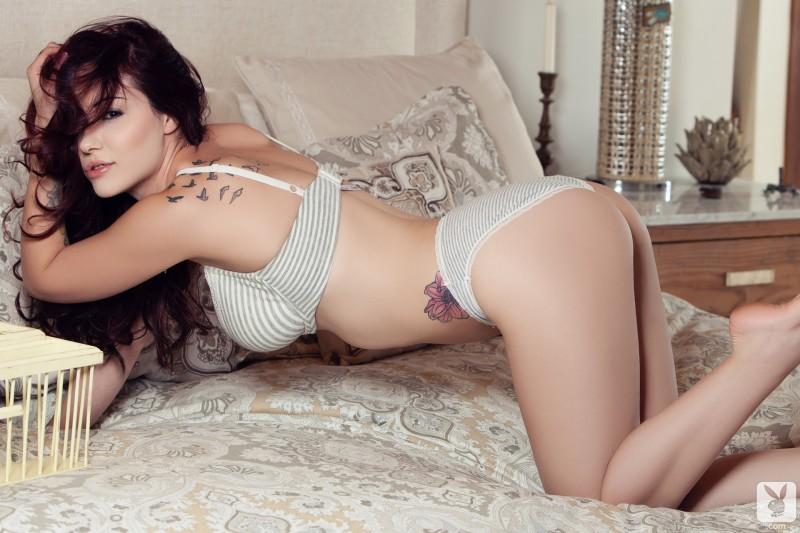 elizabeth-marxs-bedroom-nude-playboy-08