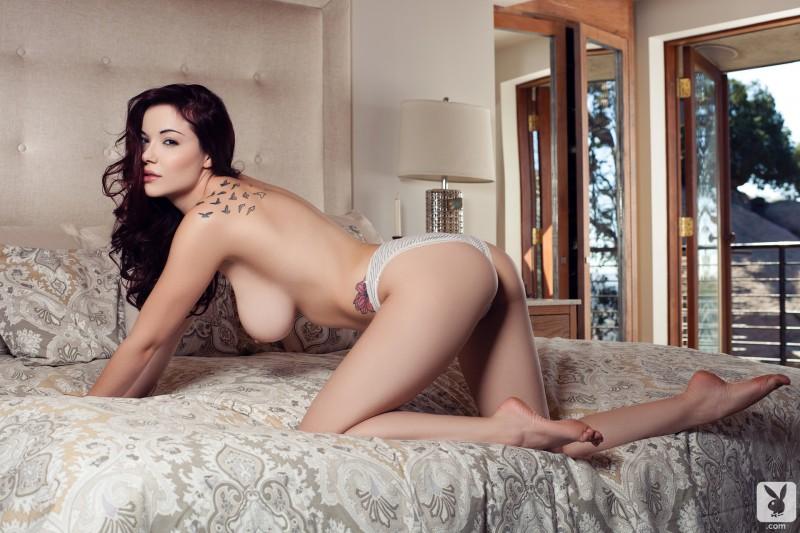 elizabeth-marxs-bedroom-nude-playboy-10