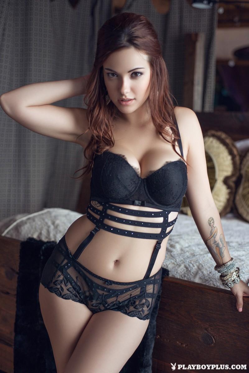 elizabeth-marxs-fantasy-lingerie-nude-playboy-01
