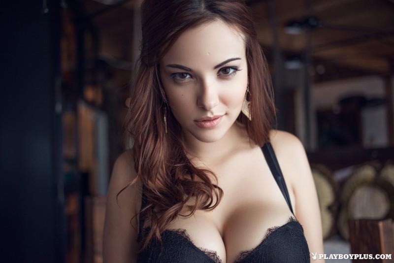 elizabeth-marxs-fantasy-lingerie-nude-playboy-04