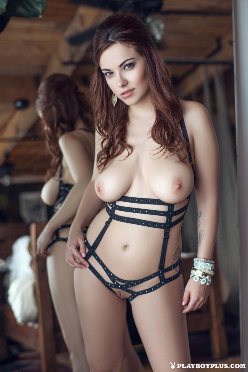 elizabeth-marxs-fantasy-lingerie-nude-playboy-15
