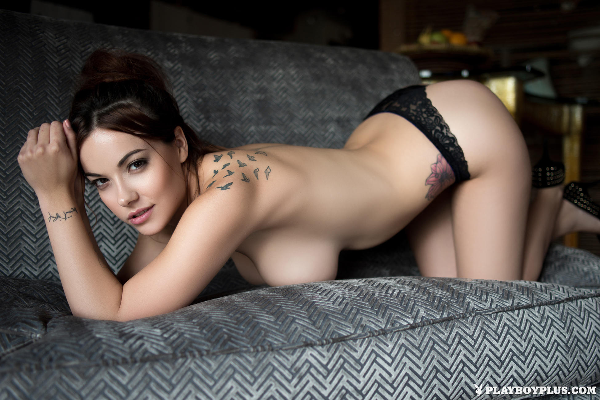 elizabeth-marxs-boobs-sofa-naked-playboy-09