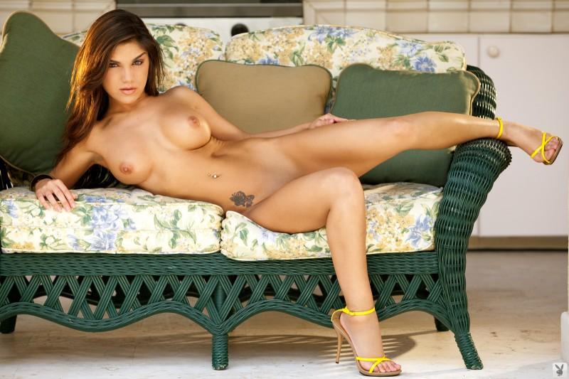 elizabeth-mendez-lingerie-playboy-20