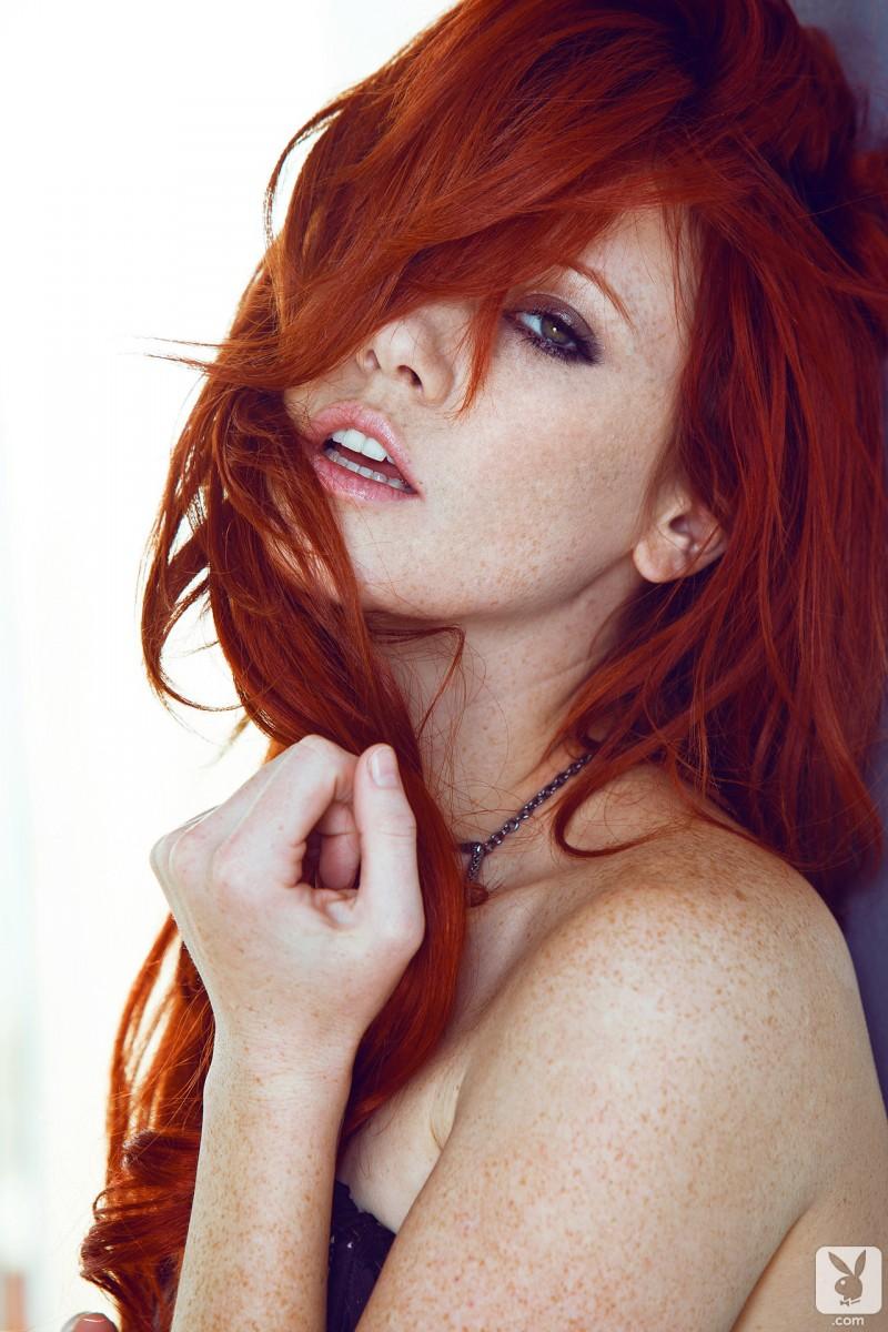 elle-alexandra-redhead-playboy-04