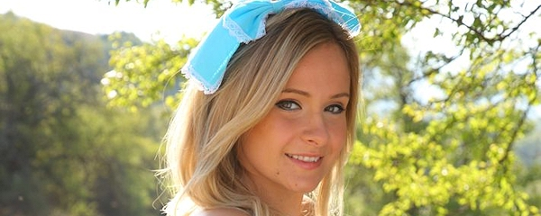 Elle Richie – Alice in wonderland