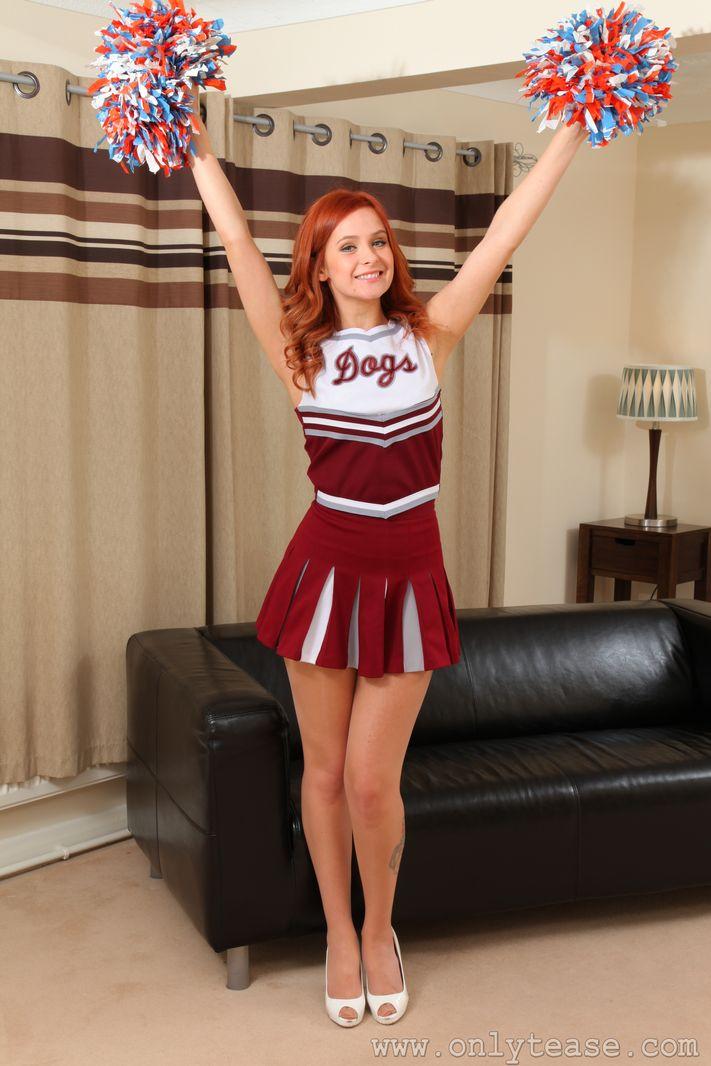 elle-richie-cheerleader-onlytease-01