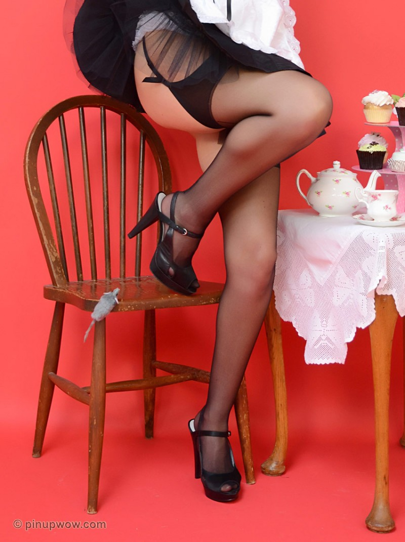 elle-richie-maid-pinupwow-04