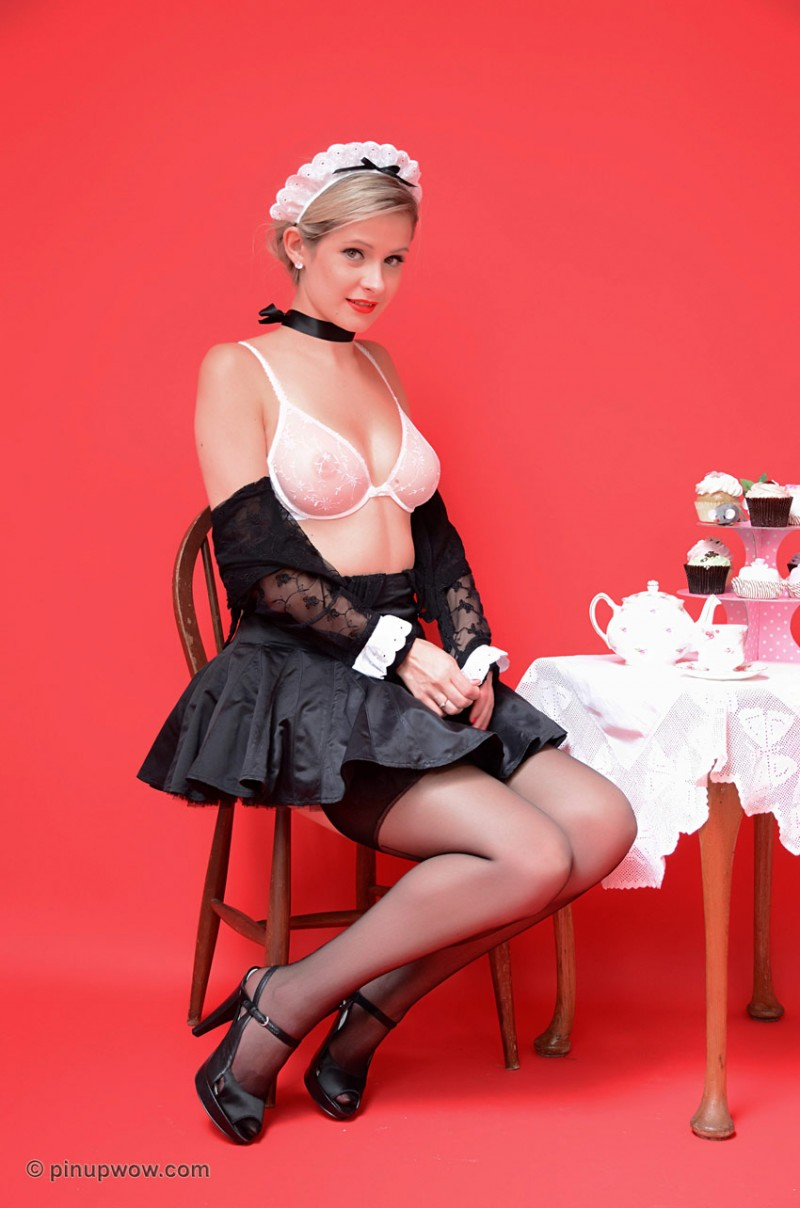elle-richie-maid-pinupwow-10