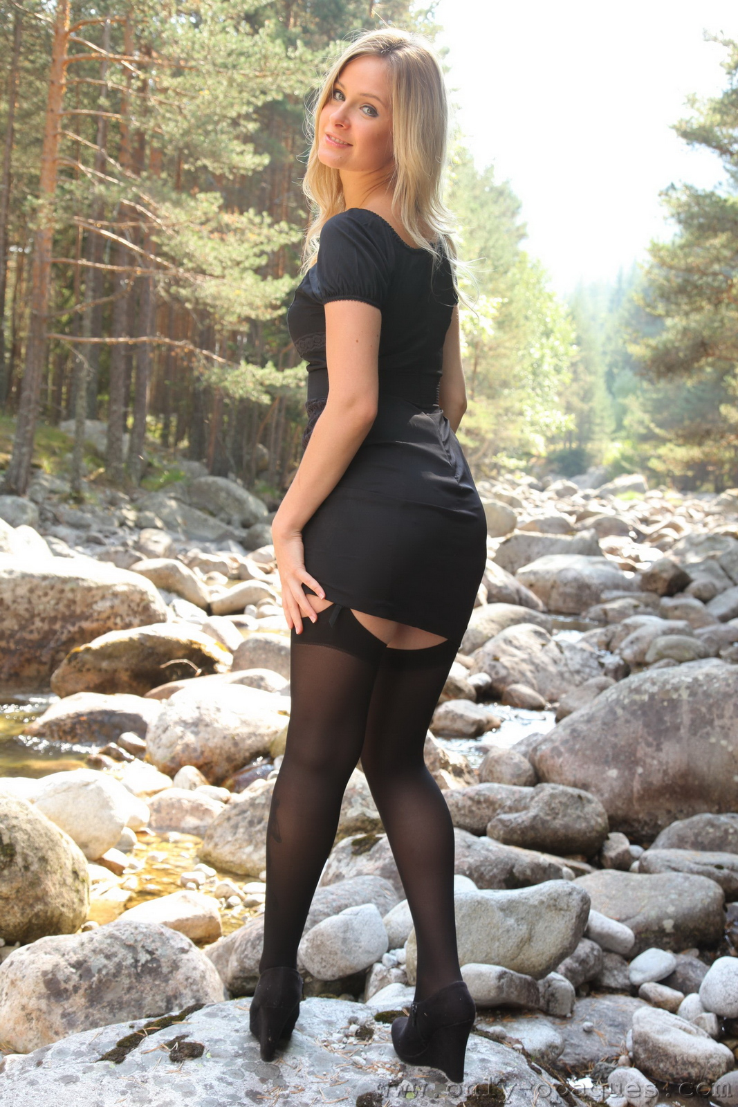 elle-richie-black-stockings-garters-outdoor-onlyopaques-04