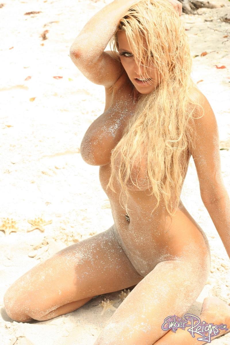 ember-reigns-boobs-beach-12