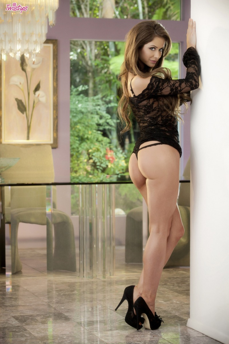 emily-addison-black-high-heels-twistys-03