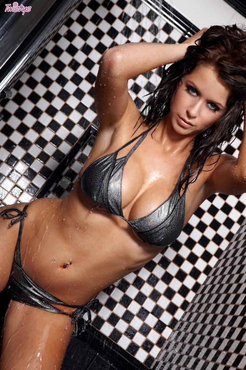 emily-addison-bikini-shower-twistys-07