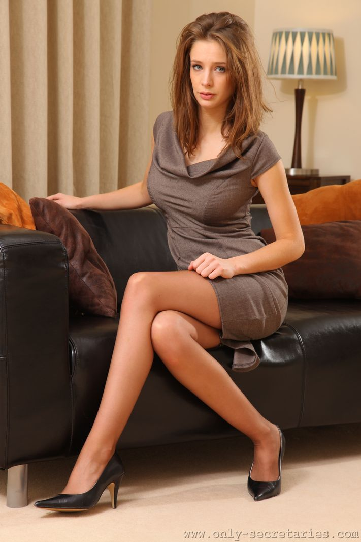 emily-agnes-pantyhose-only-secretaries-04