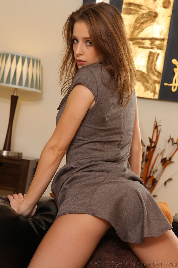 emily-agnes-pantyhose-only-secretaries-07