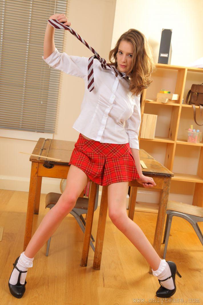 emily-agnes-schoolgirl-onlytease-07