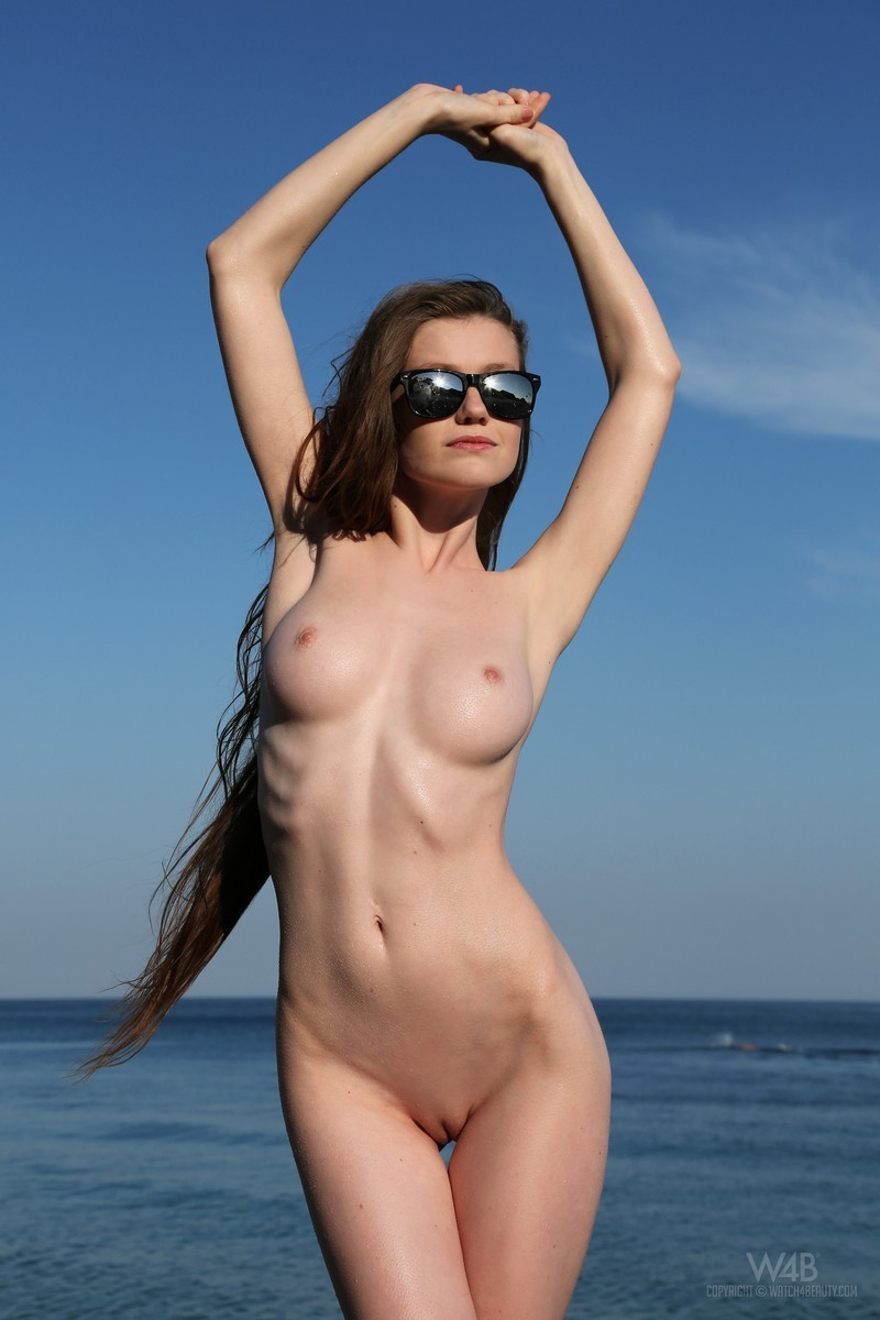 emily-seaside-beach-watch4beauty-03