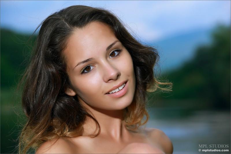 alma-nude-lake-mplstudios-01