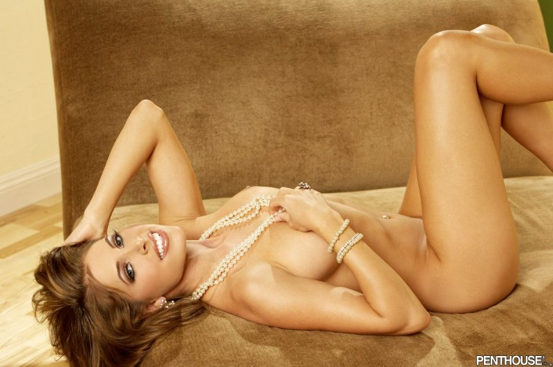 erika-jordan-boobs-nude-pearls-penthouse-10