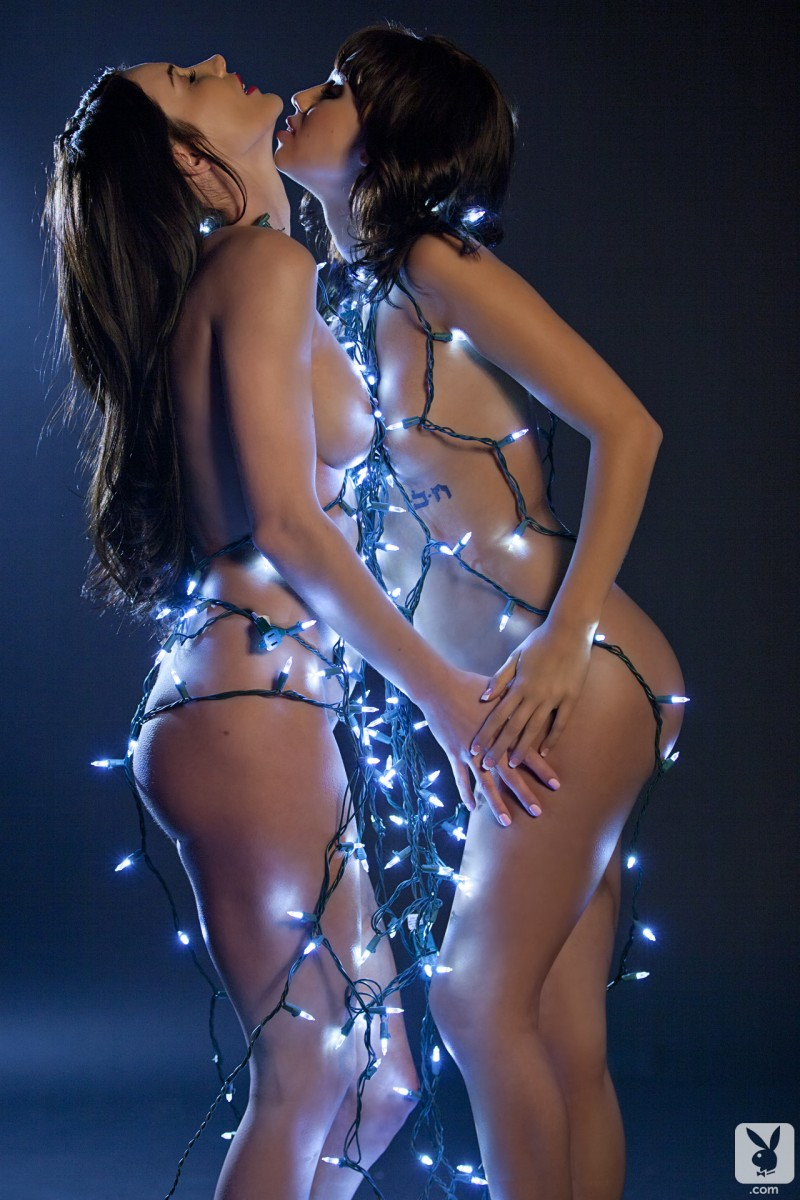 erika-knight-justine-miller-christmas-lights-xmas-playboy-27
