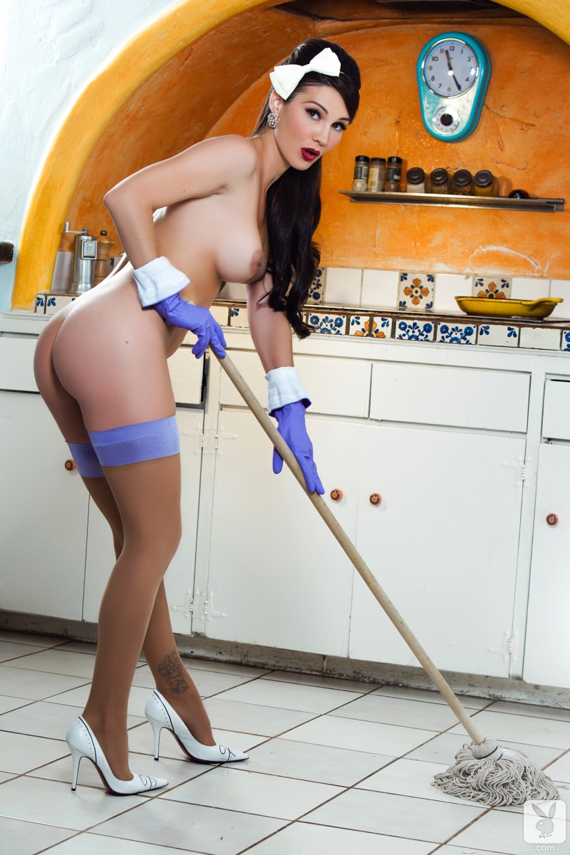 erika-knight-cooking-housewife-playboy-19