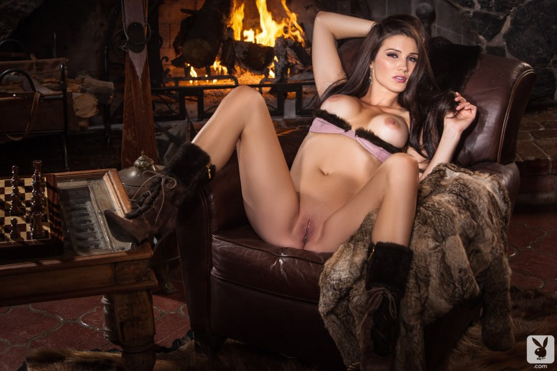 erika-knight-hunting-cottage-playboy-15