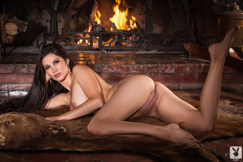 erika-knight-hunting-cottage-playboy-21