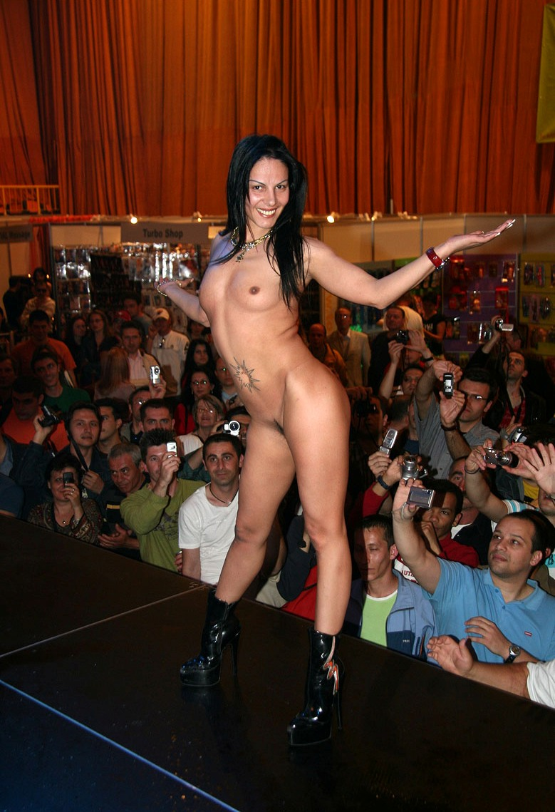 eros-show-bucharest-2007-vol2-20