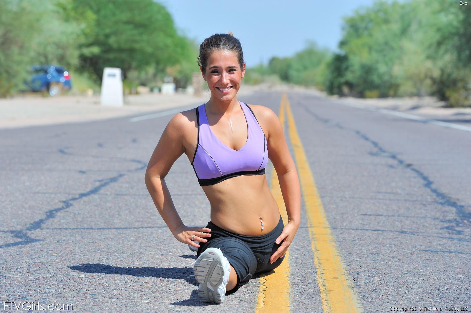 eva-flash-public-jogging-workout-nude-yoga-ftvgirls-18