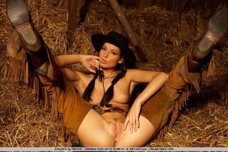 evelyn-p-western-naked-metart-07