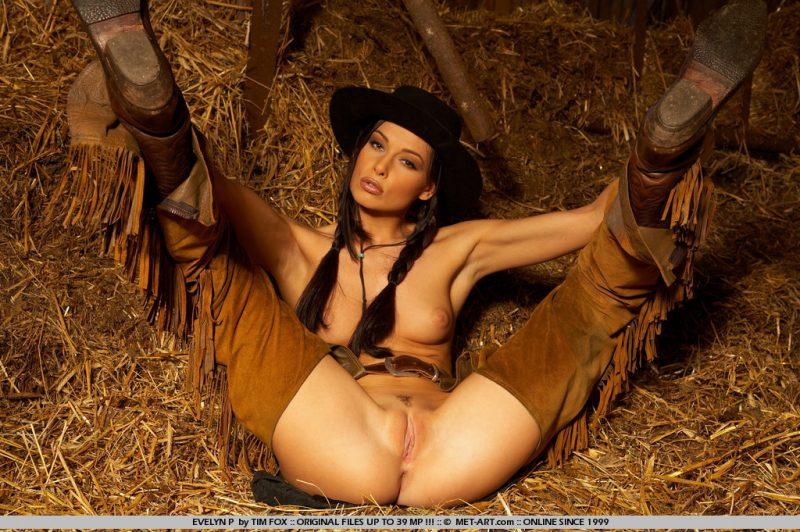 evelyn-p-western-naked-metart-09