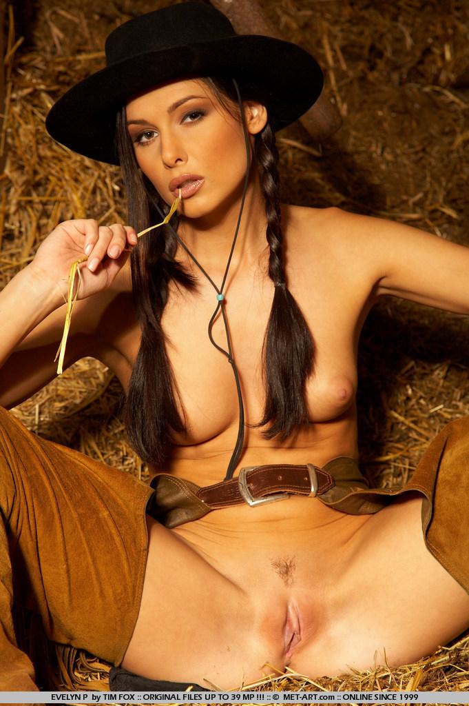 evelyn-p-western-naked-metart-11