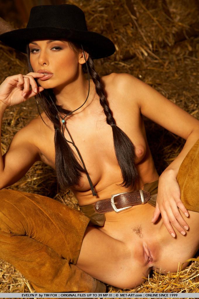 evelyn-p-western-naked-metart-17