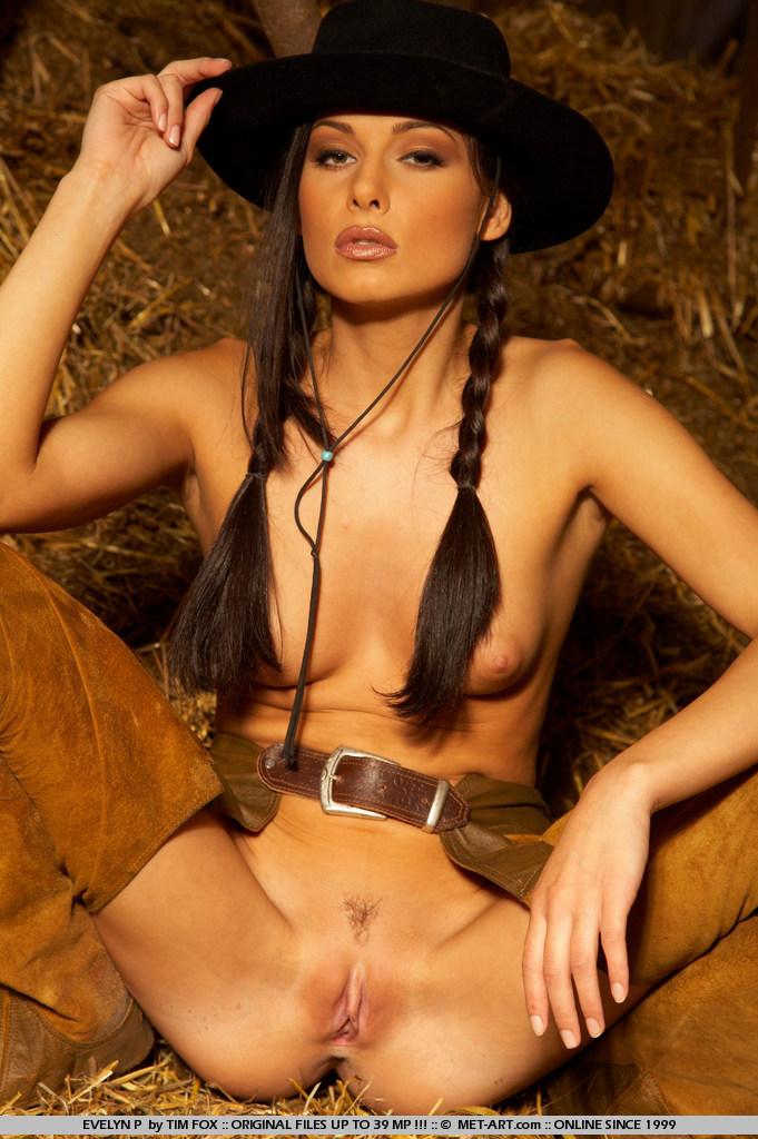 evelyn-p-western-naked-metart-18