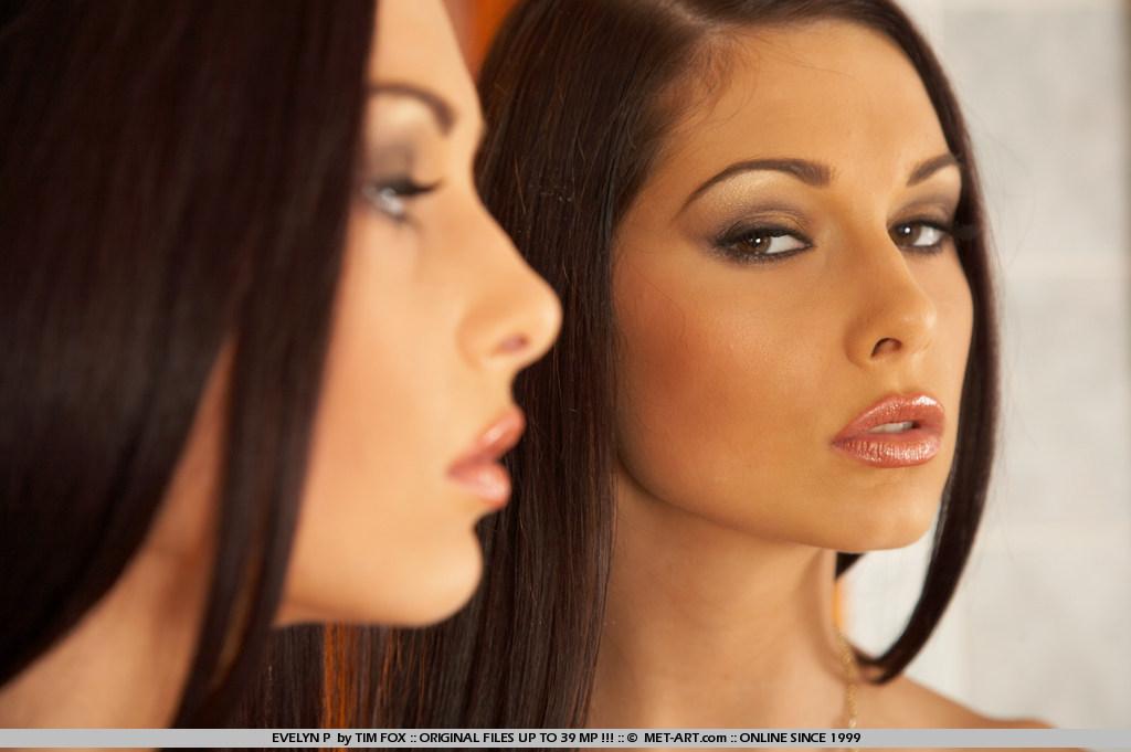 evelyn-p-white-high-heels-mirror-nude-metart-01