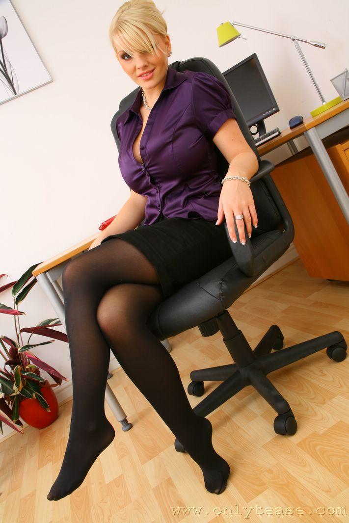 faith-secretary-stockings-nude-onlytease-06