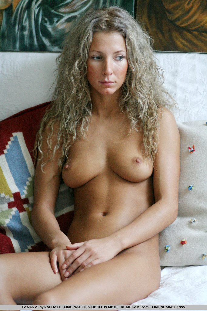 blonde fit girl naked