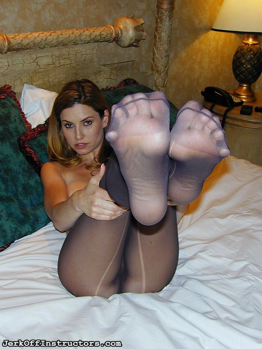 feet-lovers-01