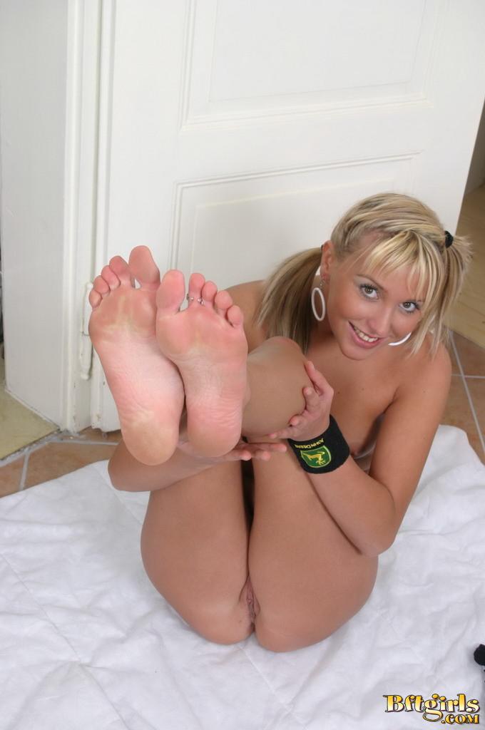 feet-lovers-20