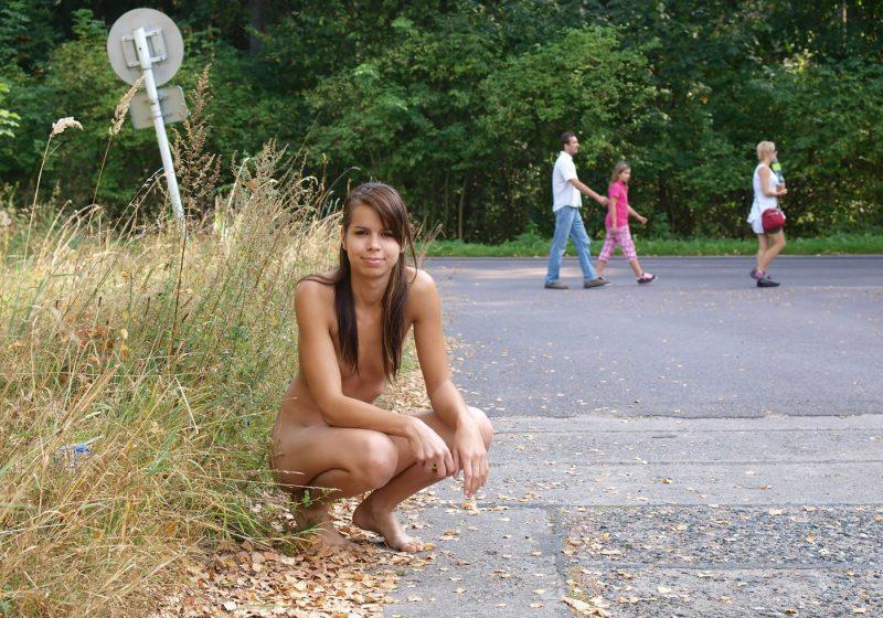 sylva-n-nude-in-public-euronudes-08